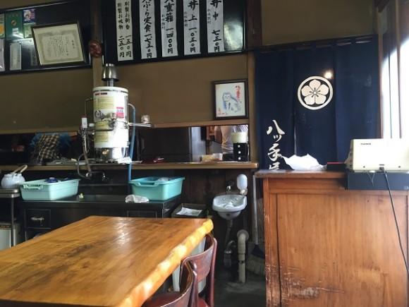 店内@神田の天丼「八ツ手屋」