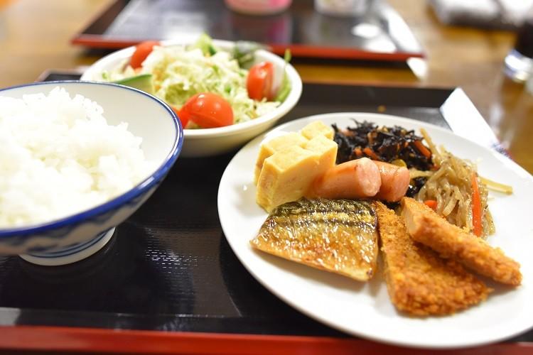 朝食@ホテル越久