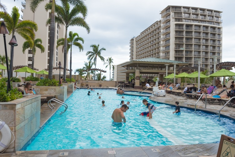 pool-12@Embassy Suites Waikiki