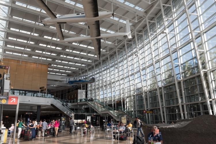 内観-1@シアトル・タコマ国際空港