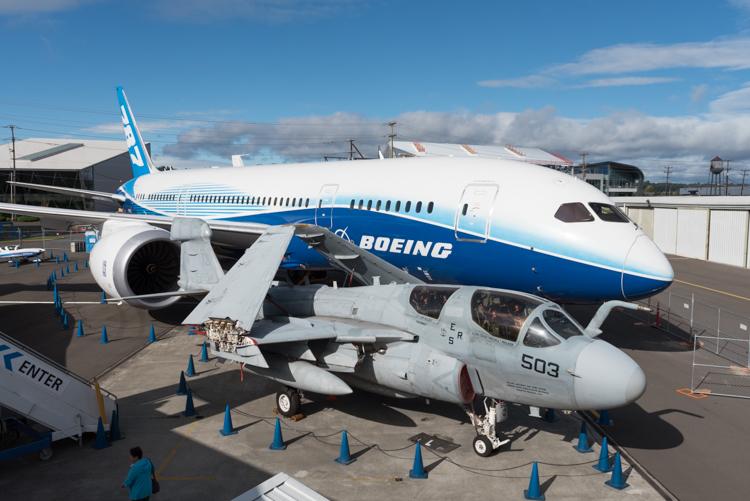 B787 Dreamliner@航空博物館-1