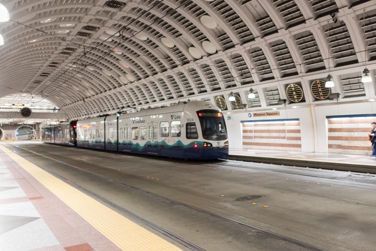 トンネルバス駅