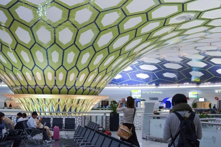 アブダビ国際空港の様子-1