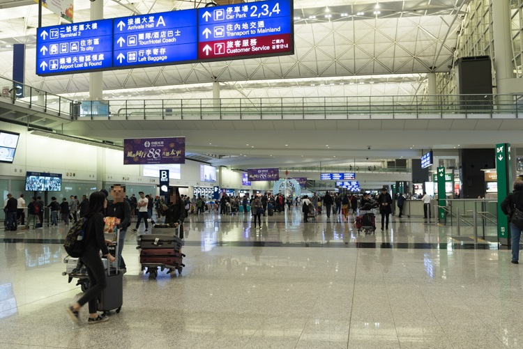 ホテルバス乗り場への行き方@香港国際空港-1