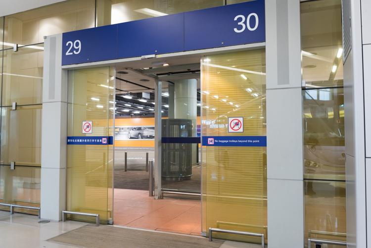 ホテルシャトルバス乗り場@香港国際空港