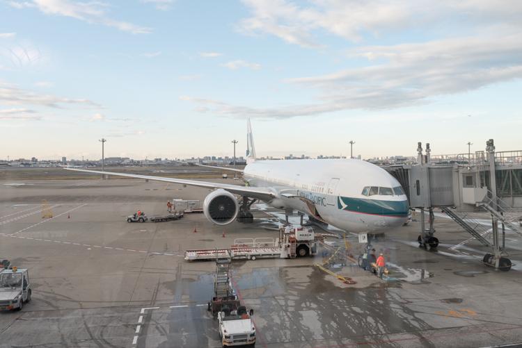 Boeing 777-300ER@CX549