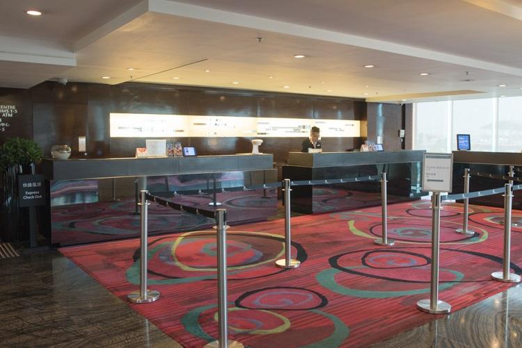 フロント@香港スカイシティマリオットホテル