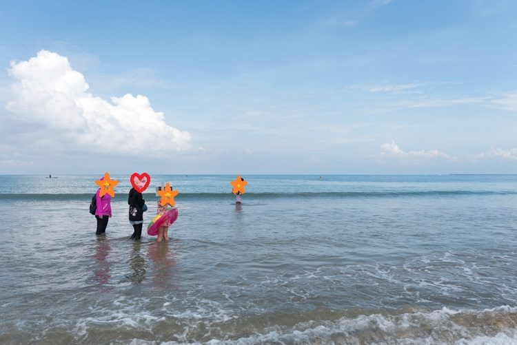 ジンバランビーチで海遊び-1