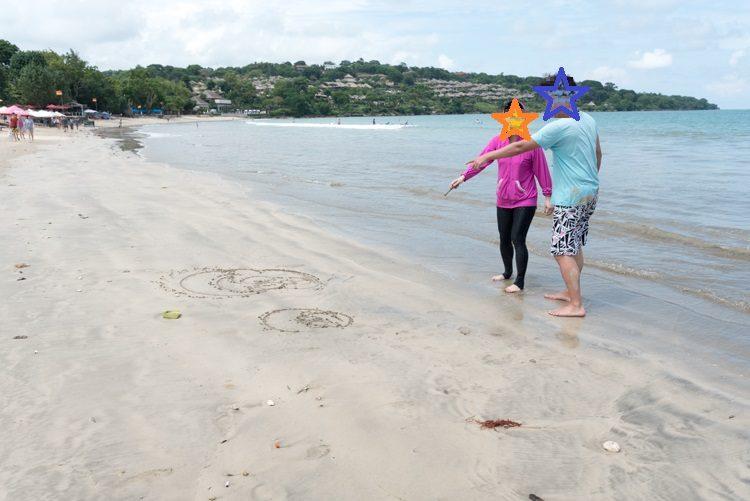 ジンバランビーチで海遊び-6