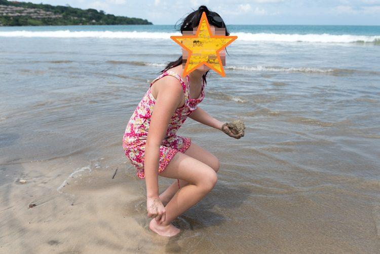 ジンバランビーチで海遊び-5